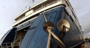 Δεμένα τα πλοία στα λιμάνια από τα μεσάνυχτα