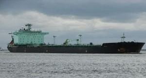 Ύποπτο φορτηγό πλοίο ακινητοποίησε το Λιμενικό