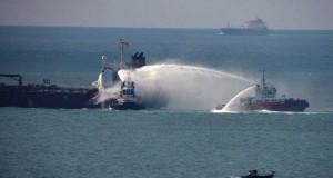 Πυρκαγιά σε χημικό δεξαμενόπλοιο [pics]