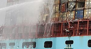Η κατάρρευση των κοντέινερ προκάλεσε την πυρκαγιά στο Eugen Maersk