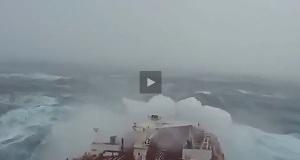 Πλοίο σε θύελλα 12 μποφόρ! [video]