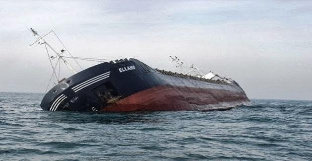 Δυο νεκροί, εφτά αγνοούμενοι από βύθιση φορτηγού πλοίου[pics+vid]