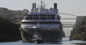Εντυπωσιακή διέλευση κρουαζιερόπλοιου από τον Ισθμό της Κορίνθου[pics]