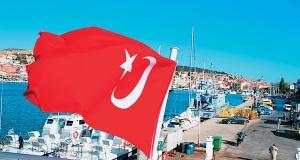 Τα προβλήματα στην ακτοπλοΐα δίνουν «δώρο» στους Τούρκους τους τουρίστες του Αν. Αιγαίου