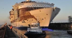 Η καθέλκυση του μεγαλύτερου κρουαζιερόπλοιου παγκοσμίως[vid+pics]