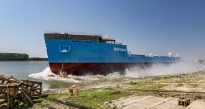 Η καθέλκυση του Maersk Connector[video]