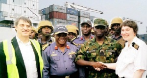 Γυναίκα καπετάνιος της Maersk νίκησε πειρατές στη Νιγηρία!