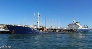 Πλοίο οικολογική «βόμβα» απειλεί τη Μυτιλήνη