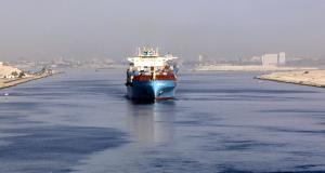 Τα φορτηγά πλοία μπορούν να γλιτώσουν χιλιάδες δολαρία παρακάμπτοντας τη διώρυγα του Σουέζ.
