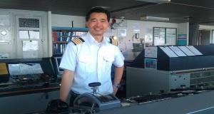 Η συγκλονιστική ιστορία του ανθρώπου που διασώθηκε από καράβι της Maersk και 34 χρόνια μετά έγινε καπετάνιος στο στόλο της!