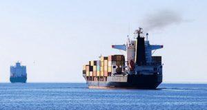 Τελευταία τρίμηνη παράταση από Καλιφόρνια για μείωση εκπομπών των αγκυροβολημένων πλοίων