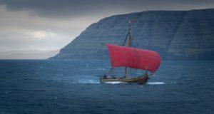 Ένα αυθεντικό πλοίο Viking διασχίζει τον Βόρειο Ατλαντικό (photos)