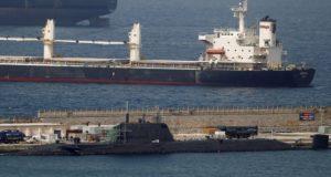 Βρετανικό πυρηνικό υποβρύχιο συγκρούστηκε με εμπορικό πλοίο