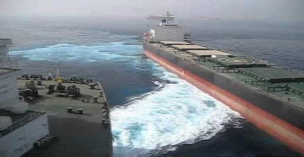 Δείτε την παραλίγο σύγκρουση ενός VLCC κι ενός πλοίου χύδην φορτίου (video)