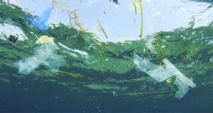 Περισσότερο πλαστικό απ' ό,τι ψάρια στους ωκεανούς
