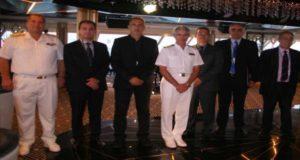 Με τιμητική πλακέτα υποδέχθηκε ο ΟΛΠ το εντυπωσιακό κρουαζιερόπλοιο Seven Seas Explorer (video)