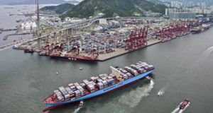 Drewry: Συνέχιση της υπερπροσφοράς στην αγορά Ασίας-Μεσογείου