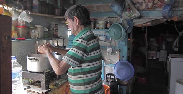 Ο »ναυαγός» που έζησε 40 χρόνια σε νησάκι νότια της Κρήτης- Πέθανε και έγινε ταινία η ζωή του