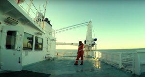 Το κύμα: Ένα εξαιρετικό βίντεο φτιαγμένο από Έλληνες ναυτικούς