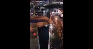 Επιβατηγό προσέκρουσε στην προβλήτα στην προσπάθεια του να δέσει [βίντεο]