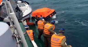 9 αγνοούμενοι από βύθιση πλοίου στο Βιετνάμ