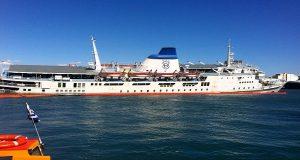 Οριστική απομάκρυνση του πλοίου «Παναγία Τήνου» από τον Πειραιά