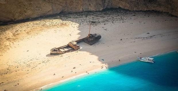 H ιστορία πίσω από το διάσημο ναυάγιο της Ζακύνθου. Πώς ο «Παναγιώτης» βγήκε στην ακτή με τα παράνομα τσιγάρα του