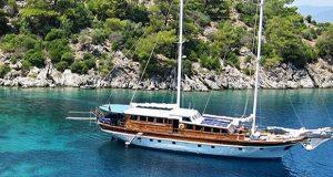 Κουρουμπλής: «Εξαλείφονται οι παράνομες ναυλώσεις τουριστικών σκαφών»