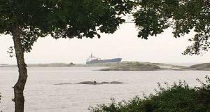 ΑΠΙΣΤΕΥΤΟ: Πλοίο προσάραξε όταν ο Ρώσος καπετάνιος και ο ανθυποπλοίαρχος μέθυσαν και τους πήρε ο ύπνος!