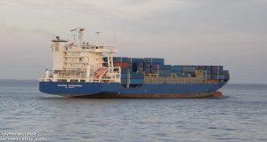Πρόκληση θαλάσσιας ρύπανσης από φορτηγό πλοίο στο Κερατσίνι