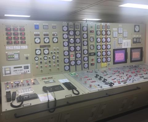 Mια εικόνα χίλιες λέξεις! Πόσες άραγε ώρες έχουμε περάσει πάνω σε αυτή την κονσόλα στο cargo control room;