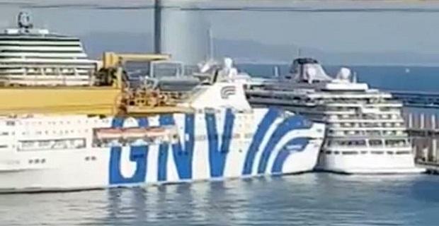 Τεράστιο φέρρυ πέφτει πάνω σε κρουαζιερόπλοιο στην Βαρκελώνη (photos+videos)