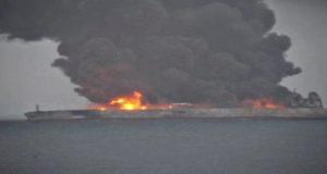 Πυρκαγιά σε πετρελαιοφόρο στην Κίνα – ένας επιβεβαιωμένος νεκρός (video)