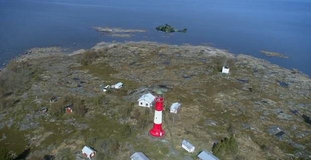 Βίντεο: Ελικόπτερο βγάζει παλιό ραντάρ από φάρο!