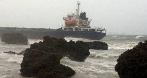 Προσάραξη πέντε πλοίων λόγω ισχυρής καταιγίδας