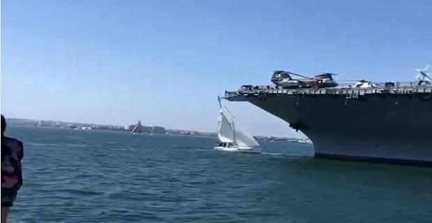 Ιστιοφόρο χάνει το ιστίο του μετά από χτύπημα στο πολεμικό πλοίο USS Midway [βίντεο]