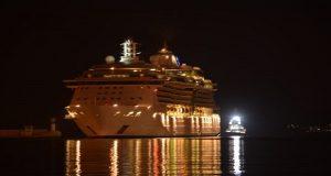 Jewel of the Seas : Άφιξη στο λιμάνι του Πειραιά [βίντεο]